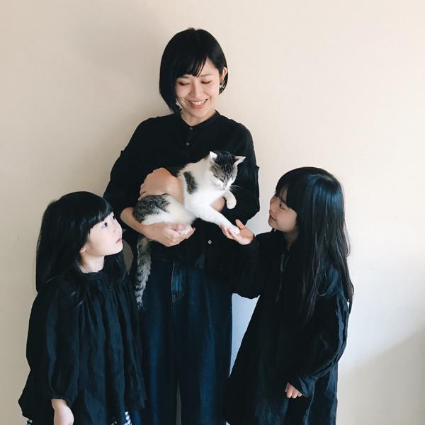 【いぬねこ うちのこ。】みちかちゃん(7歳)かほちゃん(5歳)と猫のコモン/やまがたゆりかさん