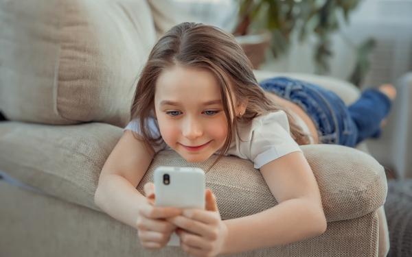 子どものスマホ料金はいつまで親が払うべき?