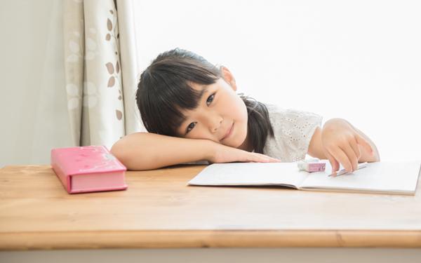 「書くこと」が苦手な子をサポートするには、親の意識改革が必要