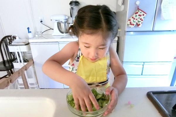 コーンやきゅうり、子どもが嫌いな野菜はどうしたら食べてくれる?【お料理あるある相談室  Vol.4】