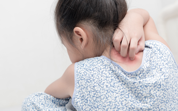 【医師監修】帰省中に起こりやすい子どもの病気・事故4つの予防法<パパ小児科医の子ども健康事典 第1話>