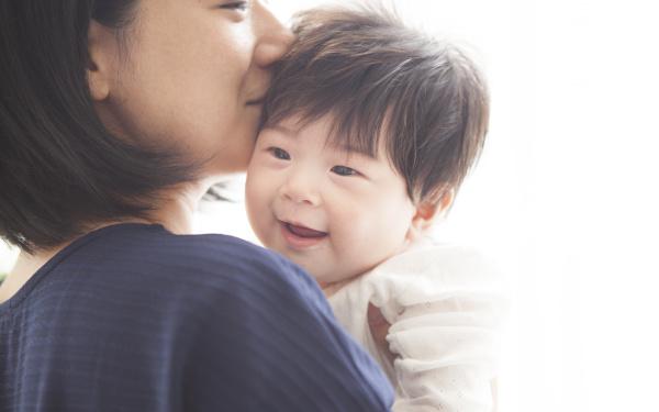 乳児ママ「5~10人の小さなママ・コミュニティ」が居心地良い理由【ママの心が軽くなる「助産師さんの子育てヒント」 第1回】