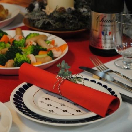 おうちクリスマス「大勢でにぎやか派? 家族でほっこり派?」らくちんパーティー5つの実例
