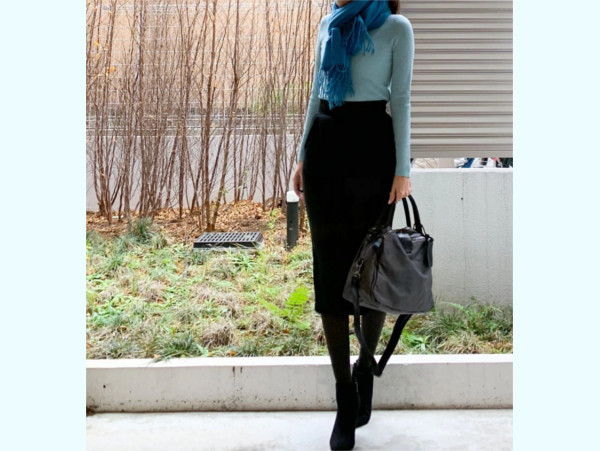 【ユニクロ】媚びない甘さ!「黒」が効いている、大人の春色スタイル【ユニクロ大人コーデ~アメブロ30代ファッション1位 Hanaさん ~ Vol.43】