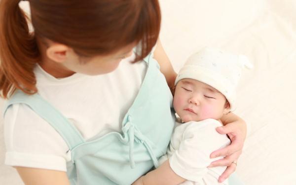 「子どもの寝相はどうして悪い?」子どもの眠りは疑問だらけ【榊原先生、教えて! 子どもの体の不思議 第3回】