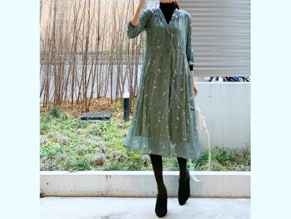 「ユニクロ」揺れスカートがこの時季使える! 先取り春コーデ【ユニクロ大人コーデ~アメブロ30代ファッション1位 Hanaさん ~ Vol.44】