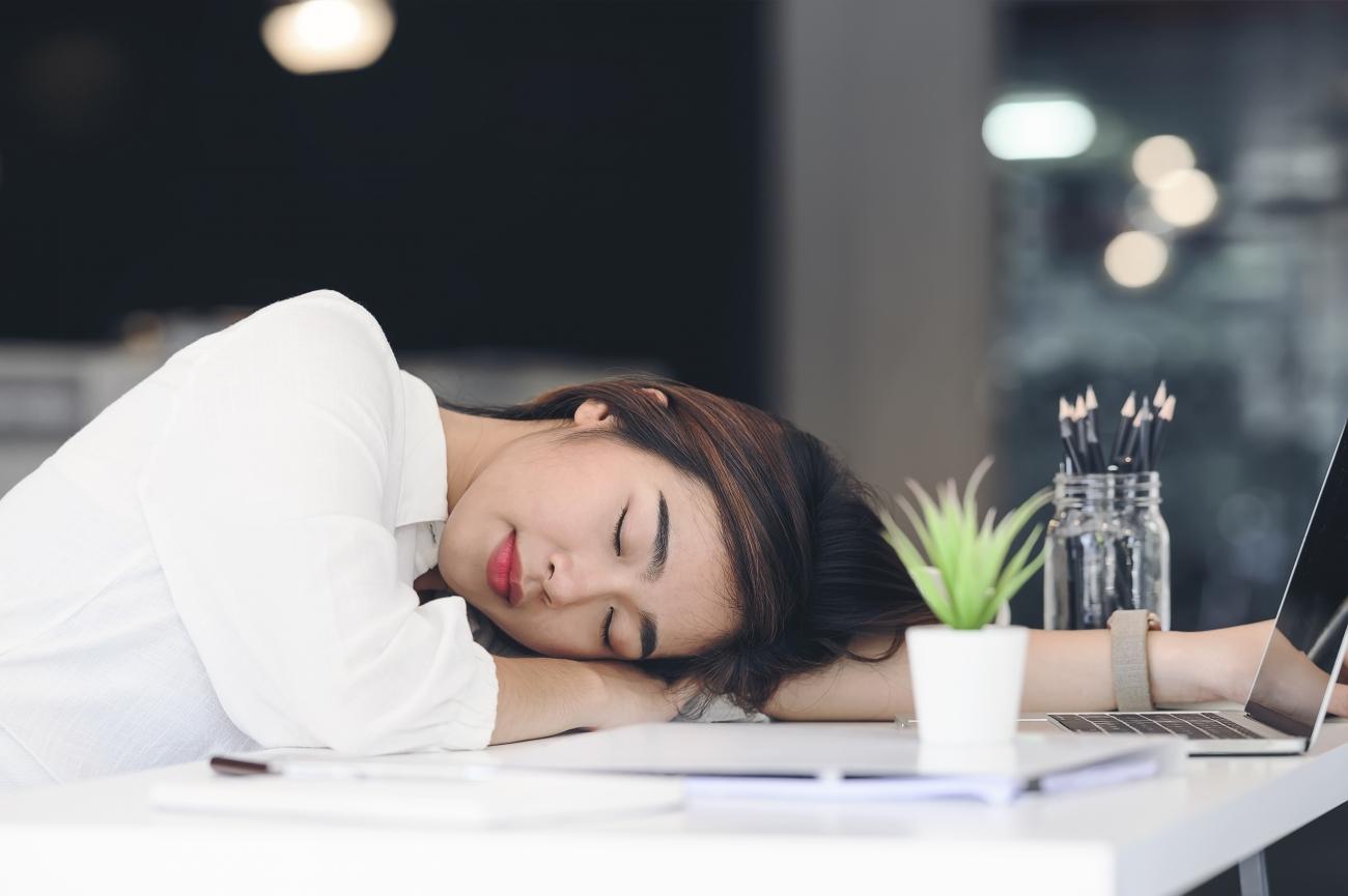 中 眠い 生理