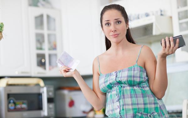 産休中は無給⁉ 休める期間、給付される手当、金額、保険料をチェック
