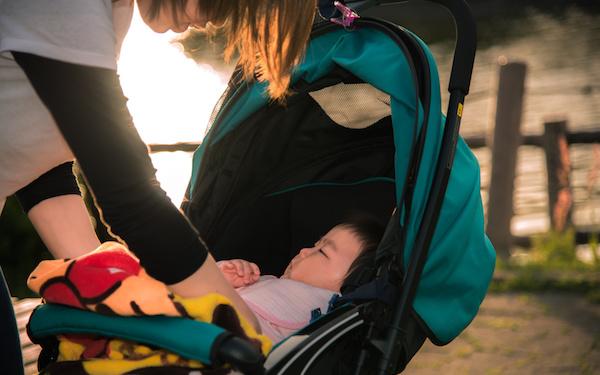 ワンオペ育児とは、「ワンオぺレーション」つまり「ひとり勤務」という意味です