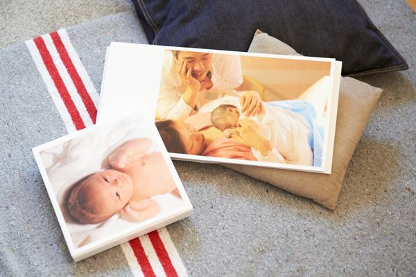 ブログ「ザクロとたい」もりもとりえさんのインタビュー。カメラマンのお兄さまが撮った、出産時の家族写真。たいくんが大きくなったら見せたいという、家族の愛情が詰まった宝物。