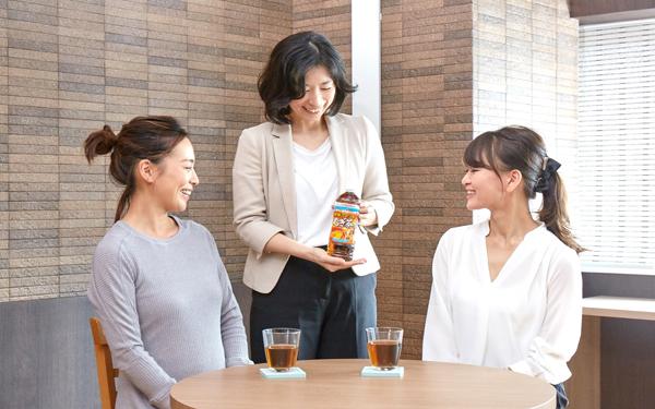 子どもに安心・安全な「健康ミネラルむぎ茶」で、水分&ミネラル補給。 冬の健康習慣をはじめよう!