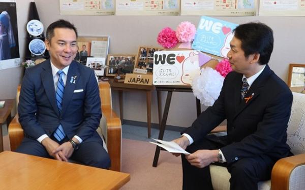 イクボス三重県知事に聞く「泣いてもええんやに!」の魅力