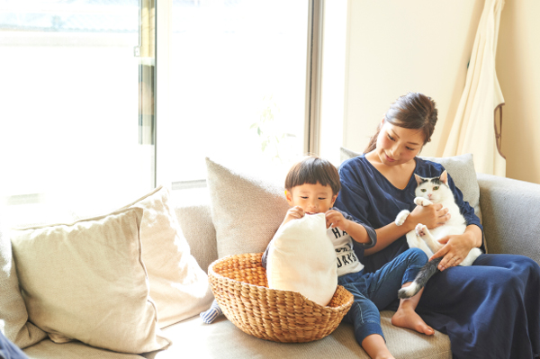 猫と暮らしながらの子育てを綴るインスタグラムとブログが人気!【ママリーダーズ:もりもとりえ さん】