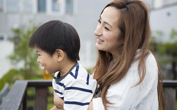 シングルマザー(母子家庭)がもらえる「児童扶養手当」。自治体の支援は?