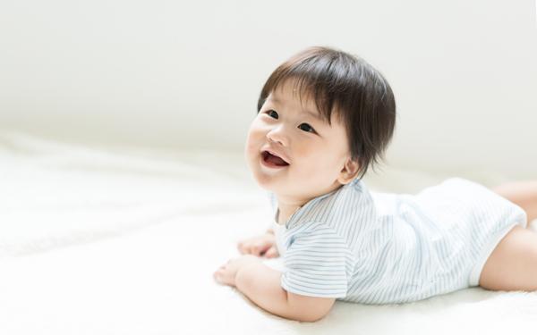 新生児向けロンパースの選び方・着せ方! おしゃれブランドのアイテムもご紹介