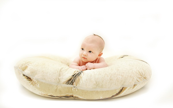 授乳 クッション おすすめ 授乳クッション人気のおすすめ8選!抱き枕など便利な使い方も紹介