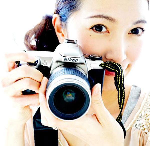 プロのママカメラマンに聞いた! すぐできる「子どもの写真を上手に撮るコツ」【モチコの親バカ&ツッコミ育児 第74話】