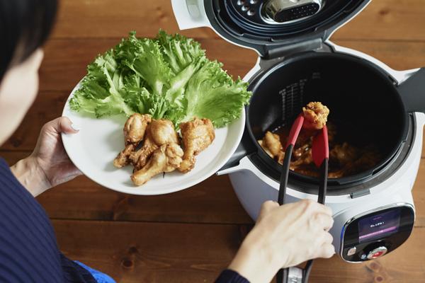 早い・おいしい・ほったらかし調理! 忙しいママの最強・時短家電「クックフォーミー エクスプレス」