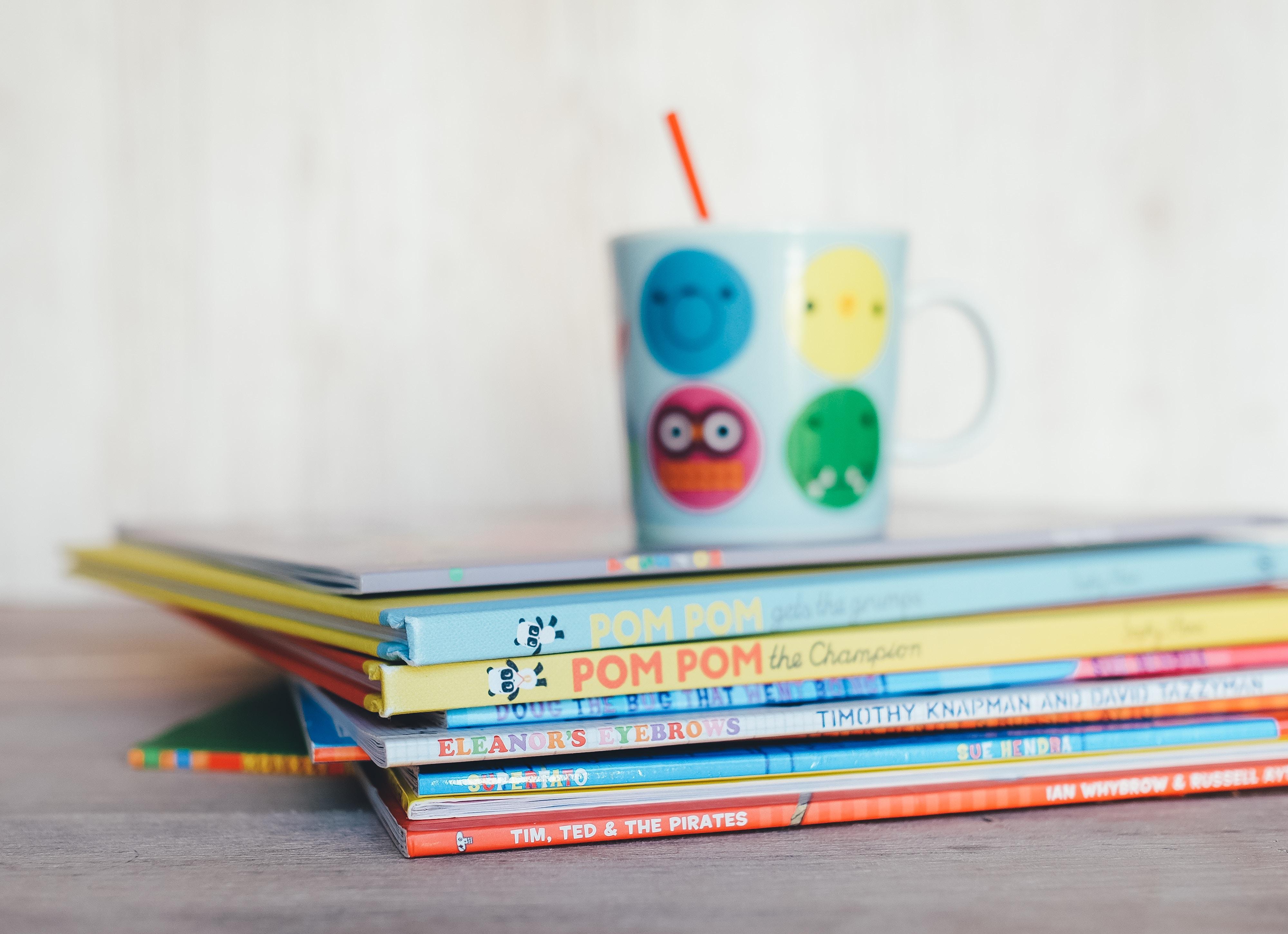 絵本カフェってどんなところ?親子で楽しめるひとときを体験しよう