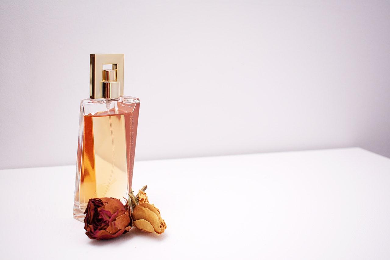 香水の作り方が知りたい。好みの香りをまとって見えないオシャレを