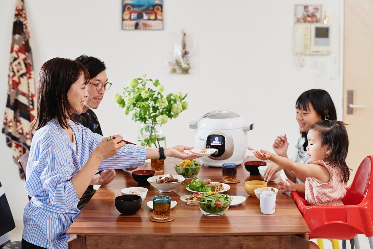 献立決めから買い物、調理だって時短! 働くママの究極時短家電「クックフォーミー エクスプレス」