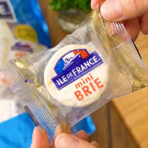 コストコのミニブリーチーズの写真